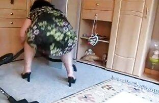 タイヤで台所の床にクソ♥ストッキングで 女の子 の エロ い 動画