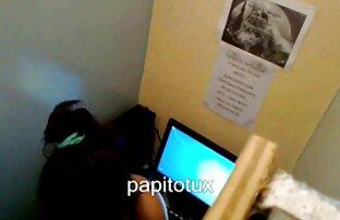 緑の髪のデバちゃんは、友人のペニスによってフードの中で頑丈になりました 可愛い 女の子 の エッチ な 動画
