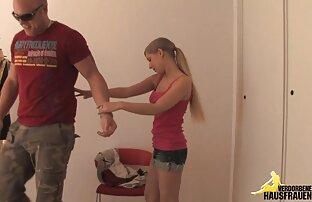 胸を持つ女性は、裸の体とシャワーを示したシャワーに行きました 女の子 専用 エロ 動画