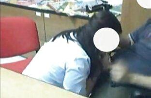 成熟した女性は、フェラチオ喉を作る大きなペニスに油№で疾走します 女の子 エロ アニメ