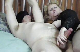 成熟したブルネットと巨乳masturbatesコックを得る兼 女の子 の エッチ な 動画