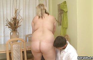 太った女性は指で♥クリトリスとエロショーをダウンロード 女の子 エッチ 無料 動画