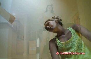 スキニーの女の子に油フィット肛門ソロとの使用のa巨大なディルド 無料 エロ 動画 女の子 向け