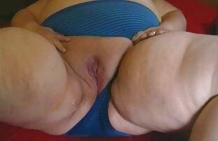 巨乳レズビアンは指で裸の彼女を取ります loveh 動画