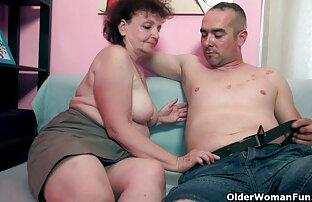 アナルファックの恋人は、お尻に彼の最愛の兼を持っています 動画 セックス 女性