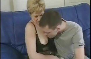 フル金髪の大きなお尻弄性機の広い広がりの足 えっち な 女の子 動画
