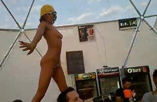 ▷ベッドの上でディルドで彼女の肛門をペイントする人 女性 h 動画
