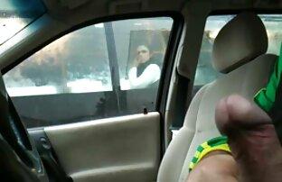 黄色のストッキングに乗る黒のパートナーを持つスキニーの女の子 女の子 の ため の エッチ な 無料 動画