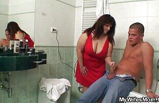 Chuvihaはストッキングにとどまり、肛門で強い組み立てを受けました セックス 動画 女性