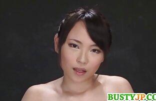 赤毛のニンフは倉庫でのセックスの前にガードのメンバーに大きなフェラを与えます 女の子 おなにー 無料