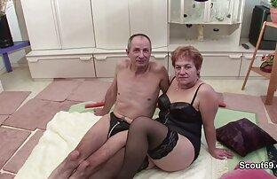 洗濯機の近くの脂肪の女性は、お尻の隣人と性交する 女の子 の ため エッチ 動画